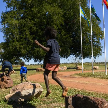 Indi Kindi early childcare is an Indigenous designed and led program that Unicef has decided to support to address disadvantage among Aboriginal children.