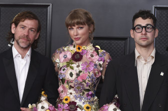 Aaron Dessner, left, with Taylor Swift and collaborator Jack Antonoff  at the Grammy Awards in March.