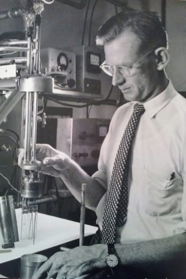 Dr Guy White was a pioneering experimentalist, author, and editor of scientific publications in low-temperature and solid-state physics.