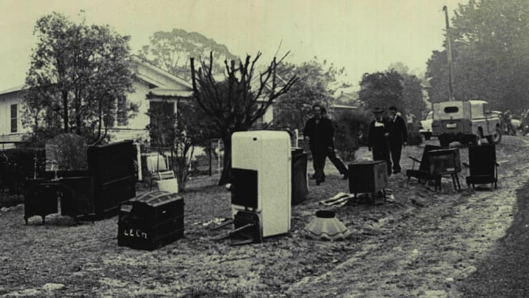 """""""The fire is coming, save something, save anything."""" The scene in Bee Farm Road, Springwood on November 29, 1968"""