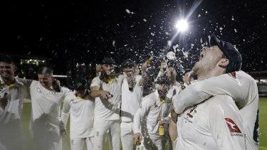 Australia celebrate their Ashes triumph.