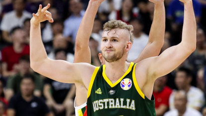 Melbourne United's big pitch to Landale