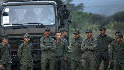 'Presidential caravan': Venezuelan army stops Guaido on way to aid effort