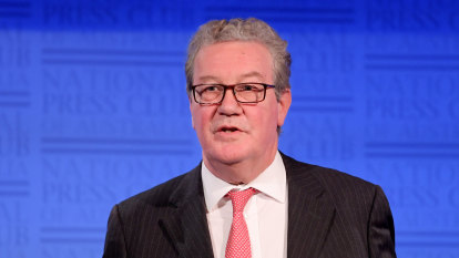 Alexander Downer's role in sparking FBI's Trump investigation revealed