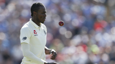 England's Jofra Archer left the field with a sore hamstring.
