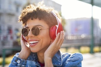 There are simple things you can do to keep your headphone use safe.