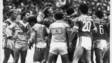 Biffing Bunnies: Referee Barry Barnes had his hands full.