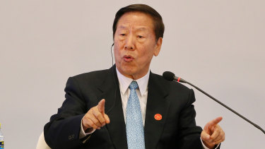 Dai Xianglong, former Governor of the People's Bank of China talks at the Boao forum.