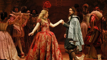 Romantic leads Claire van der Boom and Michael Wahr.
