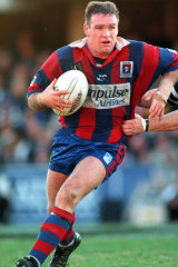 Butterfield in action for the Knights against Wests at Campbelltown in 1998.