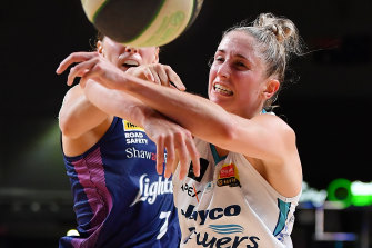 Bec Cole (left) says Southside have plenty of belief in themselves heading into the WNBL grand final.