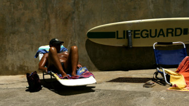 Sun safe messages needed to balance the risks and benefits of sun exposure, the authors said.