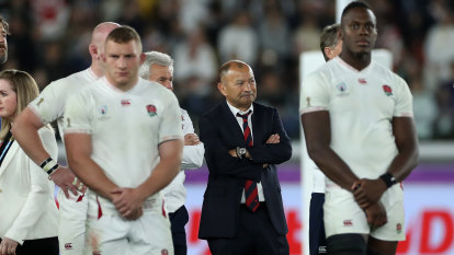 Jones says he'll honour England deal until 2021 in blow for Wallabies