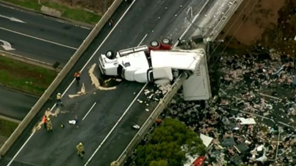 Extraordinary footage emerges of Calder Freeway truck crash