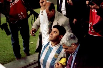 Diego Maradona celebrates after Argentina sealed qualification for the 1994 World Cup.