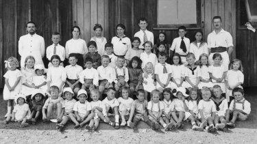 Children at the Molonglo internment camp.