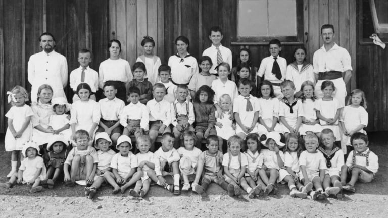 Children at the Molonglo internment camp.