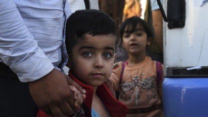 Desperate Kurds return to Syria rather than endure conditions at camp