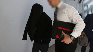 Investigators from the NSW Joint Counter Terrorism Team arrested an 18-year-old Albury man on Wednesday.