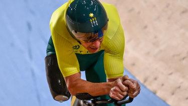 Darren Hicks won silver in the men's C2 3000m individual pursuit.