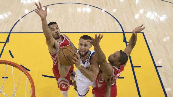 Curry's flurry leaves Rockets in the dust