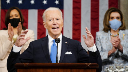 As the US economy wobbles, Biden plays the long game