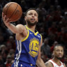 Curry, Green carry Warriors to sweep of Blazers