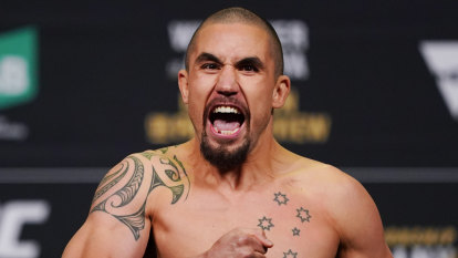 Whittaker pulls out of UFC 248 co-main event