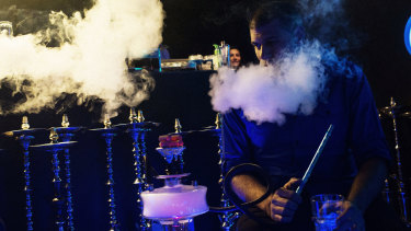 Smoking shisha for one hour is equivalent to inhaling the volume of smoke from 100 to 200 cigarettes.