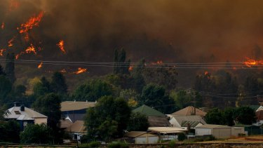 Fire threatens Lithgow on Saturday.