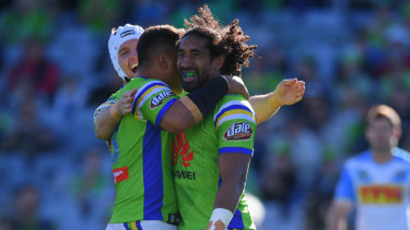 Sia Soliola wants to wear lime green.