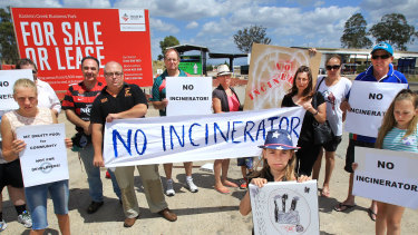Residents protest against plans for a giant incinerator west of Sydney.