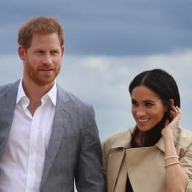 Prince Harry and Meghan welcomed to Bondi with 'anti-bad vibes circle'