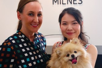 Siwen Chang (right) with Kobe and her lawyer Fiona Milnes.