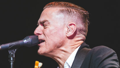 Bryan Adams fans accidentally leave concert early