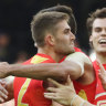 Suns hold on for upset win, deny Bulldogs' late charge