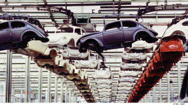 The original VW Beetle in production in Puebla (Mexico).