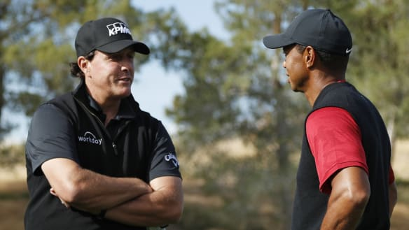 Mickelson beats Woods in $12m winner-take-all boxing style exhibition