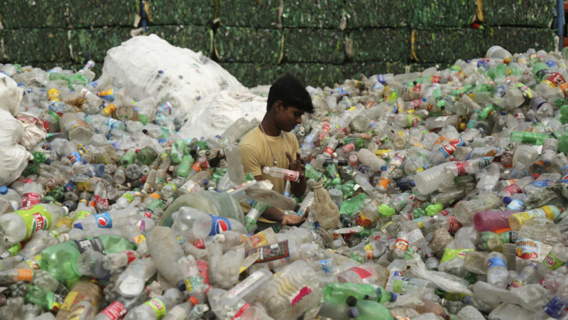 Australia's recycling crisis deepens as India bans plastic