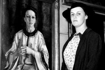 Nora Heysen with her portrait of Elink Schuurman, which won the 1938 Archibald Prize.