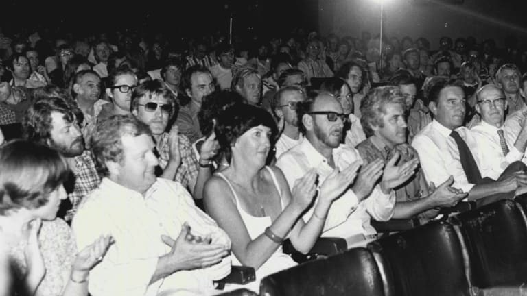 Striking ABC staff at a meeting at the Regent Theatre in November 1978.