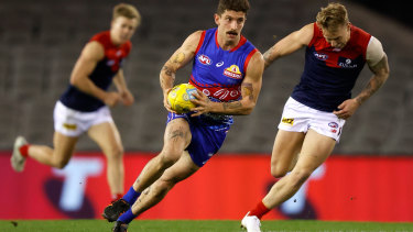 Tom Liberatore in action during the AFL's round 11 match between the Western Bulldogs and Melbourne at Marvel Stadium.
