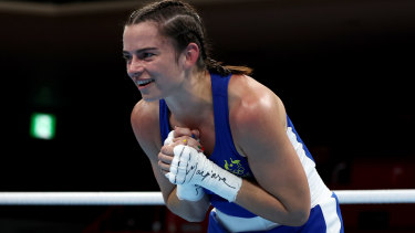 Skye Nicolson will fight in the quarter-finals on Wednesday night, a win putting her in medal contention.