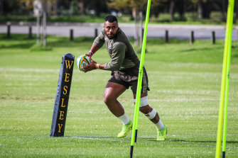 Samu Kerevi training with the Wallabies in Perth.