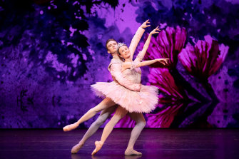 Jarryd Madden and Amber Scott sparkle in The Nutcracker.