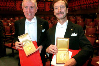 Australian scientist Peter Doherty (left) and his Swiss colleague Rolf Zinkernagel with their Nobel prizes in 1996.
