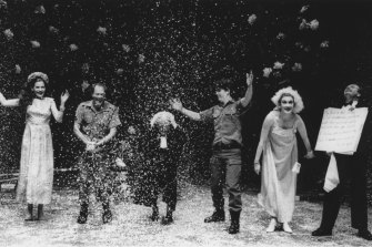 A scene from the original 1992 Belvoir production of Louis Nowra's Cosi.