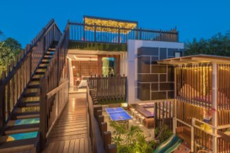 Set across two buildings, Cubby House provides stylish comfort and the very best in indoor/outdoor living.