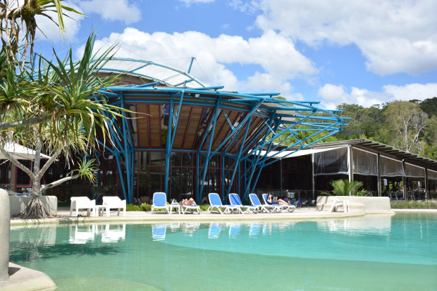 Kingfisher Bay Resort is closed until December 14 after the Fraser Island fire worsened.