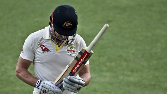 Pressure builds as Australia collapse and Shaun Marsh slump continues